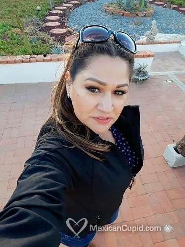 Ebelia / 41 / Female / Ensenada, Baja California, Mexico